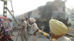 INDIA-ACCIDENT-TRAIN