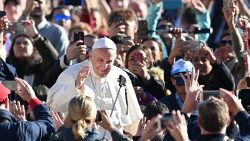 vatican-pope-audience-1540369585045.jpg