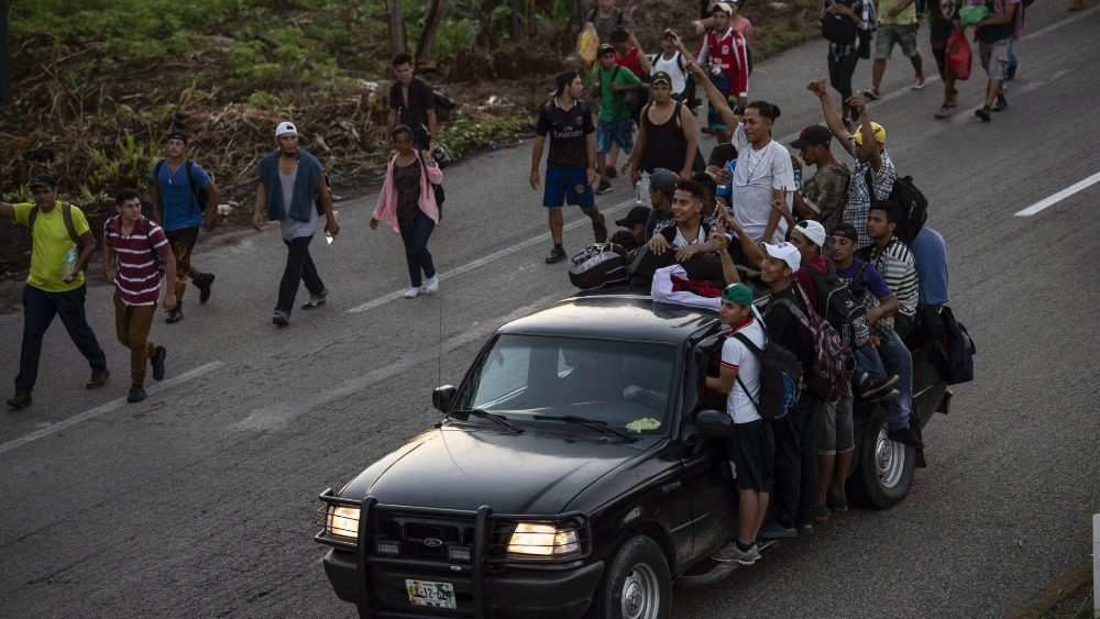 mexico-honduras-us-migration-1540396280403.jpg