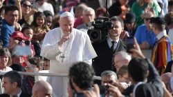 vatican-pope-audience-1541583205633.jpg