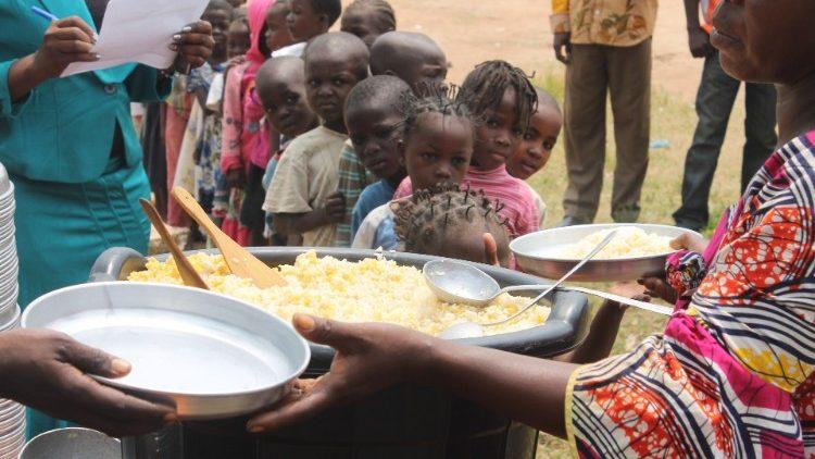 África Central Padre Bondobo no guerra religiosa intereses