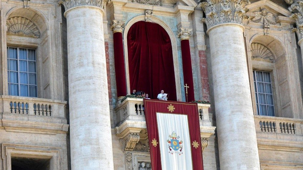 vatican-pope-christmas-urbi-orbi-1545739734121.jpg