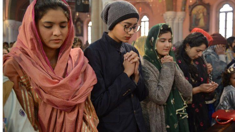 Các thiếu nữ Kitô giáo Pakistan