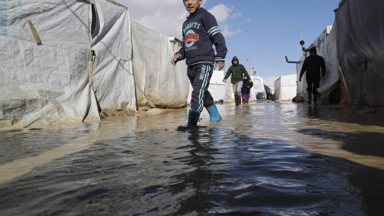 lebanon-syria-conflict-refugees-weather-1547756928308.jpg