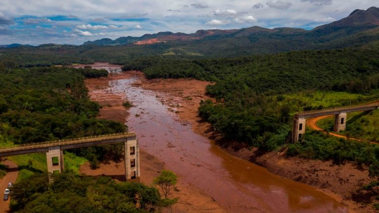 topshot-brazil-accident-dam-collapse-1548662337744.jpg