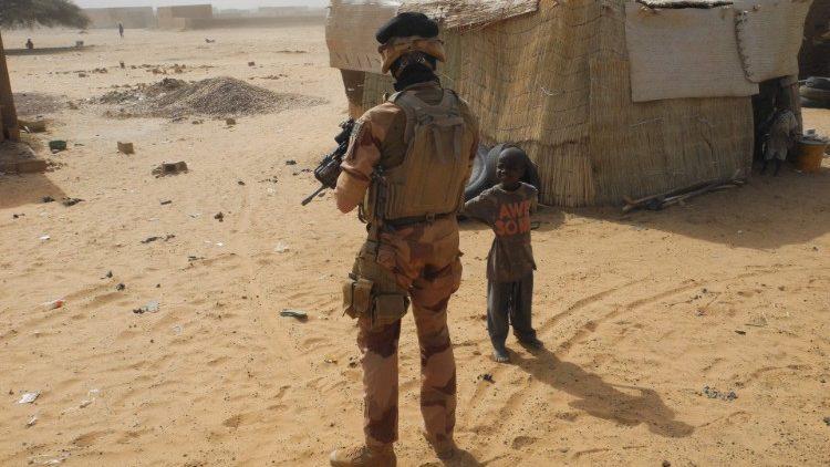 Villaggio in Burkina Faso controllato dall'esercito