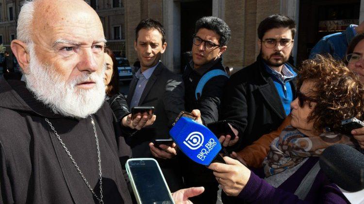 Đức Cha Celestino Aós Braco, dòng Capuchino, Giám quản Tông Tòa tổng giáo phận Santiago de Chile