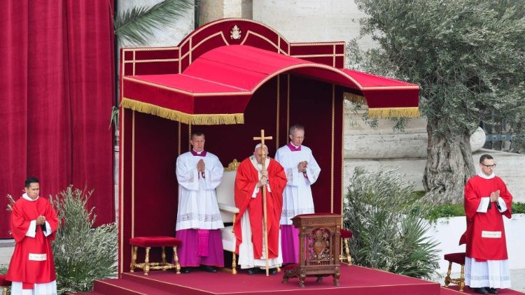 VATICAN-POPE-PALM-SUNDAY