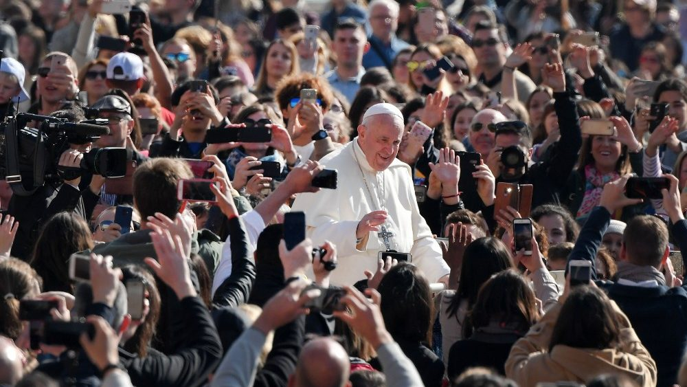 vatican-pope-audience-1555487934692.jpg