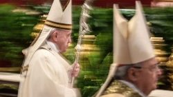 vatican-pope-holy-thursday-1555579437360.jpg