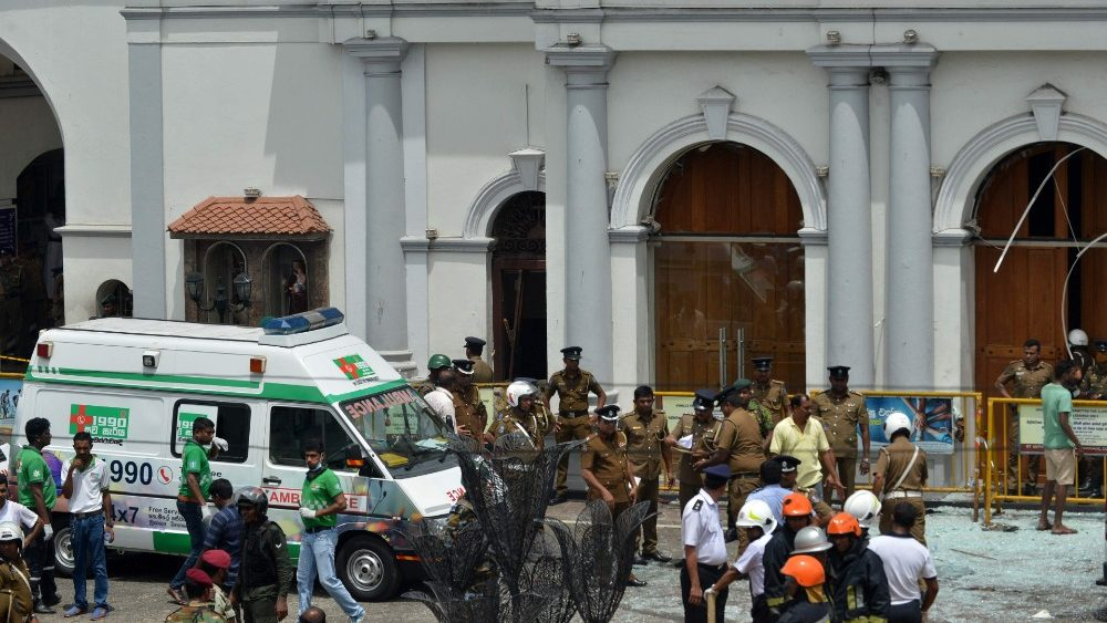 topshot-sri-lanka-bombings-church-hotel-1555835665894.jpg