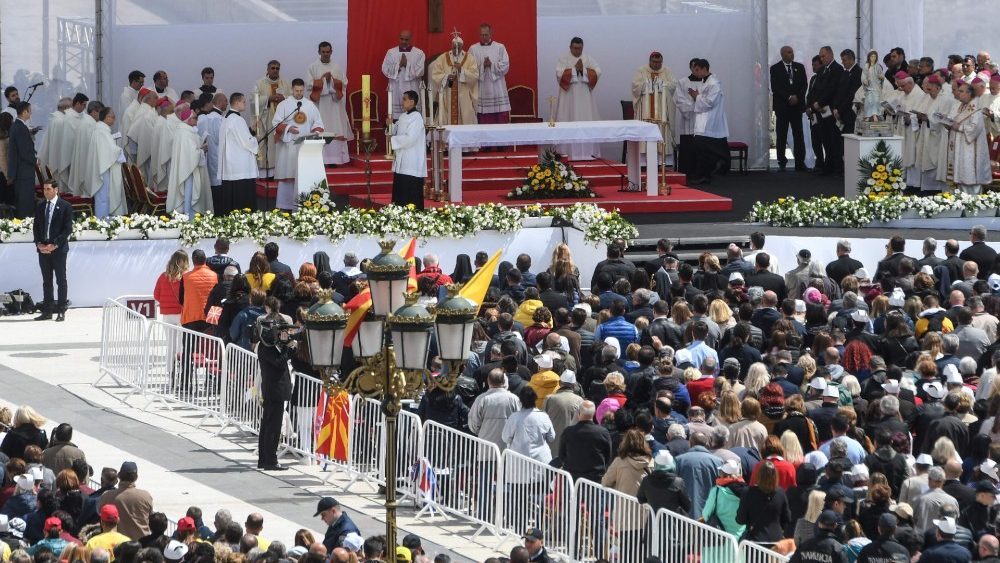 NMACEDONIA-VATICAN-RELIGION-CHRISTIANITY-POPE-DIPLOMACY