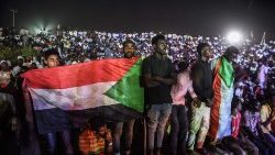 Sudan generals, protesters in crunch talks on new ruling body