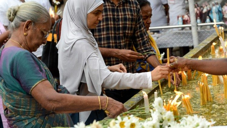Faithful of other religions in a show of solidarity with Sri Lanka's Christian community in the wake of the Easter Sunday attacks.