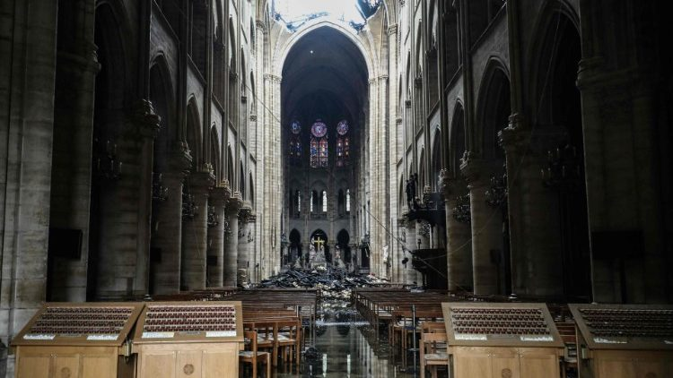 FILES-FRANCE-INVESTIGATION-FIRE-RELIGION-HERITAGE