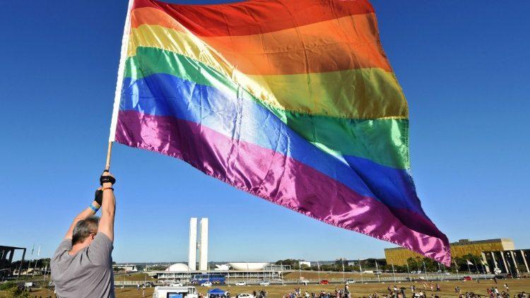 Abp Chaput o poglądach ks. Martina ws. LGBT: wprowadzają w błąd