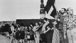 August 23, 1989: Baltic residents form a human chain linking the cities of Tallinn, Riga, and Vilnius