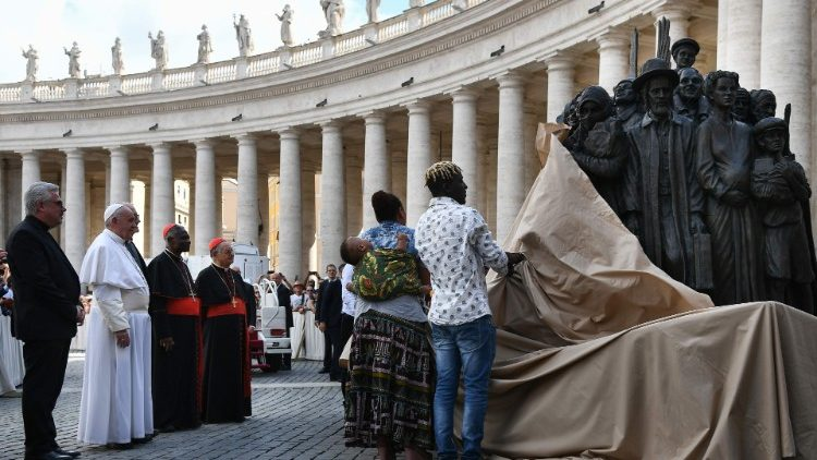 VATICAN-POPE-WORLD-DAY-MIGRANTS-REFUGEES-MASS