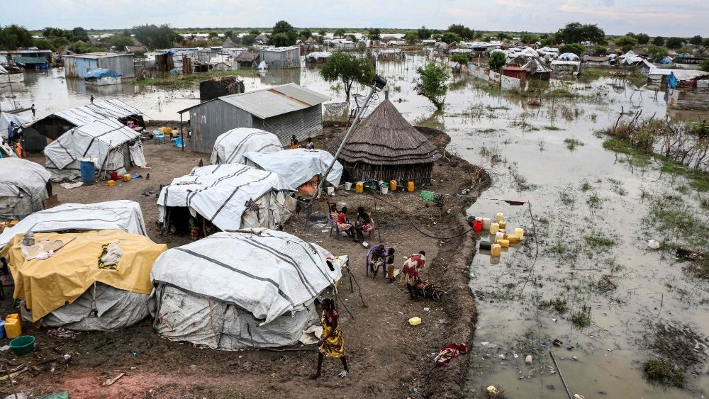 TOPSHOT-SOUTH SUDAN-FLOOD-DISASTER-CLIMATE