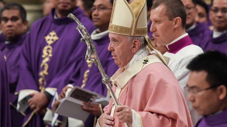 Pope Francis presides over Mass for Rome's Filipino community