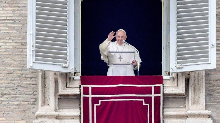 Francisco, en el Angelus