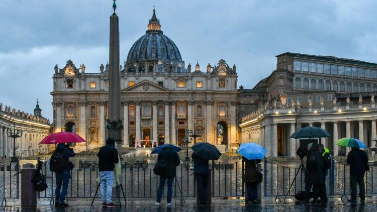 "Journalists ""hitting the streets"" outside the Vatican to report on Pope Francis' Moment of Prayer in March 2020"