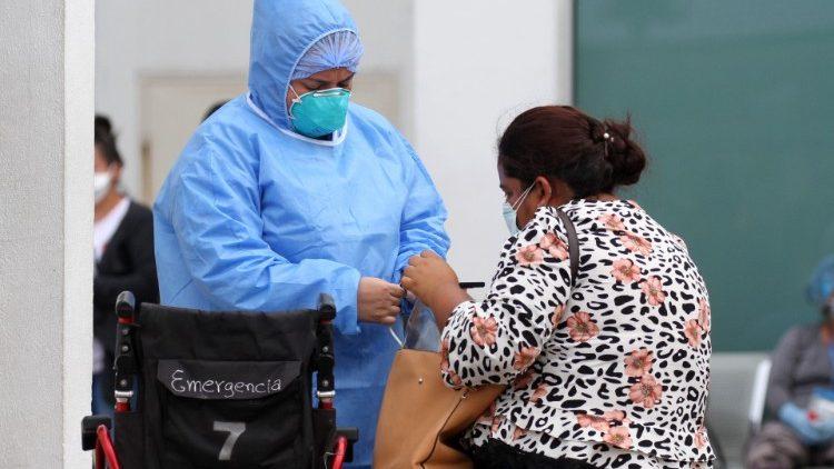 Ecuador covid 19 pandemia sistemas salud
