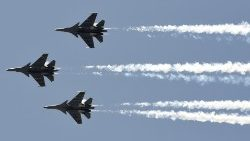 India's Air Force pays tribute to frontliners, 3 May 2020