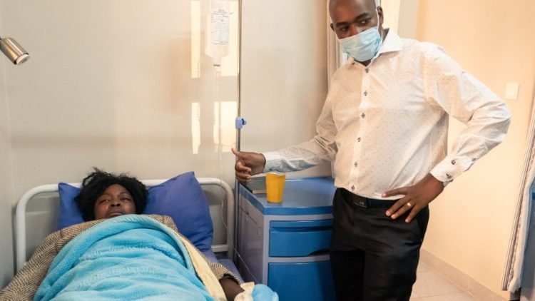 One of the three MDC-Alliance leaders, Cecilia Chimbiri, visited in hospital by Party leader, Nelson Chamisa