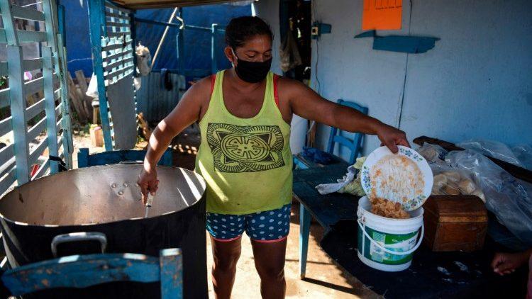 Barrios pobres de Asunción sufren las consecuencias del Covid-19.