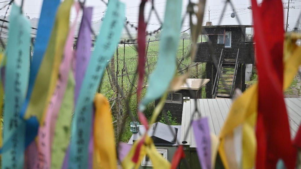 Ruy băng hòa bình ở Paju, biên giới  giữa hai miền Triều Tiên