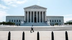 US-SUPREME-COURT-ISSUES-ORDERS-MORE-AND-OPINIONS
