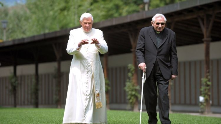FILES-VATICAN-GERMANY-POPE-GEORG RATZINGER-OBIT
