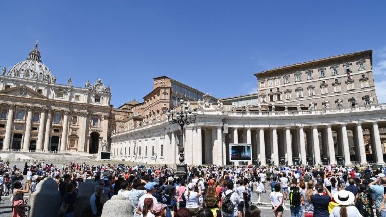 VATICAN-ANGELUS-RELIGION-CATHOLIC-POPE