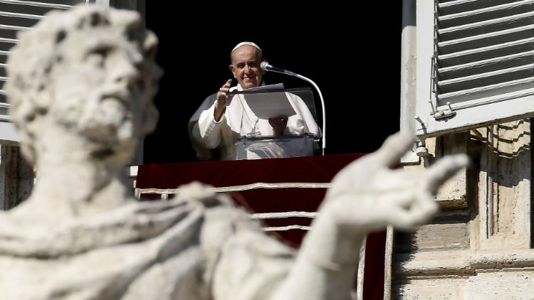 VATICAN-HEALTH-VIRUS-RELIGION-POPE-ANGELUS
