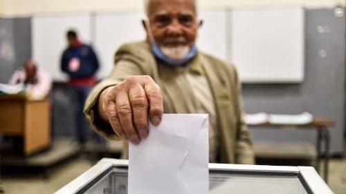 Algérie: un référendum en forme de désaveu du régime politique