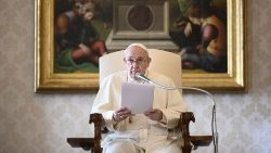 VATICAN-RELIGION-POPE-AUDIENCE-HEALTH-VIRUS