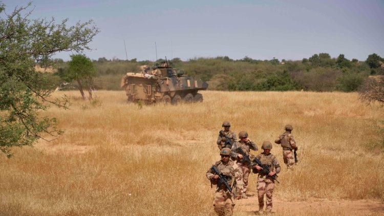 Französische Soldaten auf Friedenseinsatz in Burkina Faso (Archivbild)