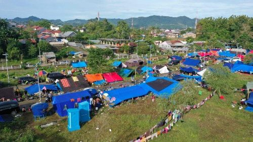 A temporary shelter for people affected by the 6.2 magnitude earthquake in Mamuju, Indonesia.