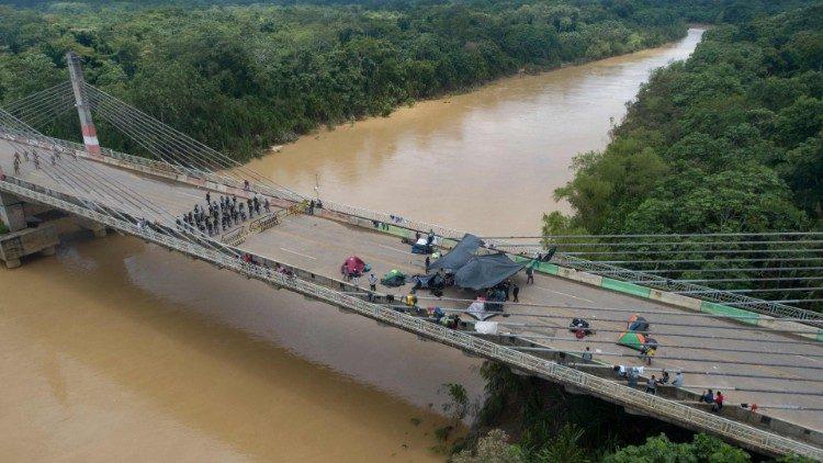 """""""Puente de la Integración"""" entre Perú y Brasil"""