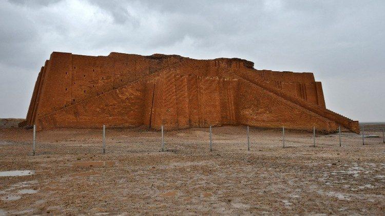 Tháp bậc thang hình chữ nhật - Great Ziggurat - tại thành Ur