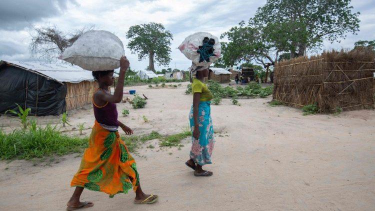 Campo di sfollati nel nord del Mozambico