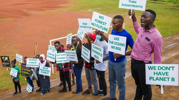 Young Ugandans demonstrate for changes in environmental policies