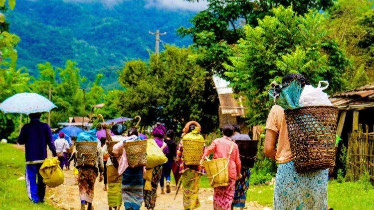 Papa Francisc: apel în favoarea Bisericii și a refugiaților din Myanmar
