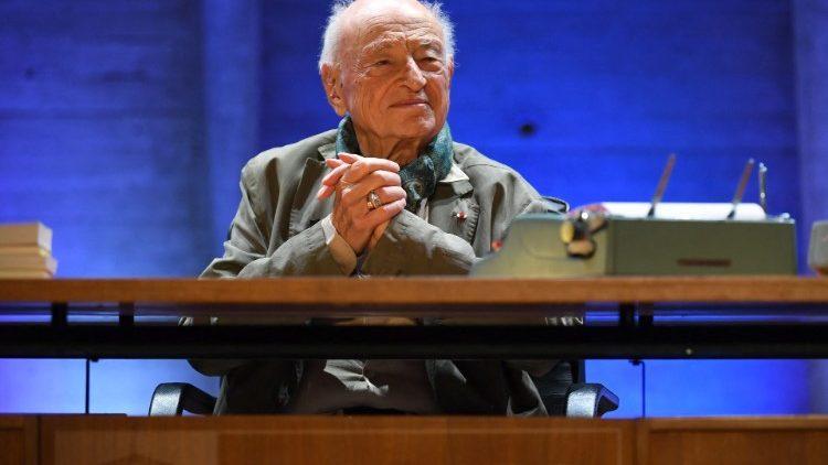 Le philosophe Edgar Morin au siège de l'UNESCO à Paris, le 2 juillet 2021