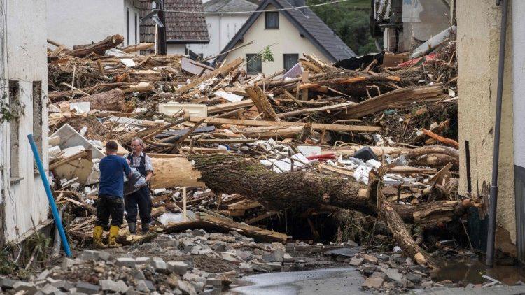 Mưa lũ gây thiệt hại nặng nề tại Đức