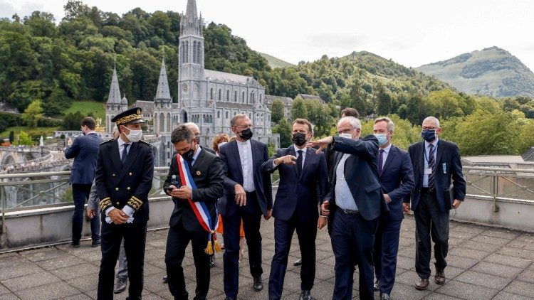 Le président français a visité le sanctuaire marial de Lourdes Cq5dam.thumbnail.cropped.750.422