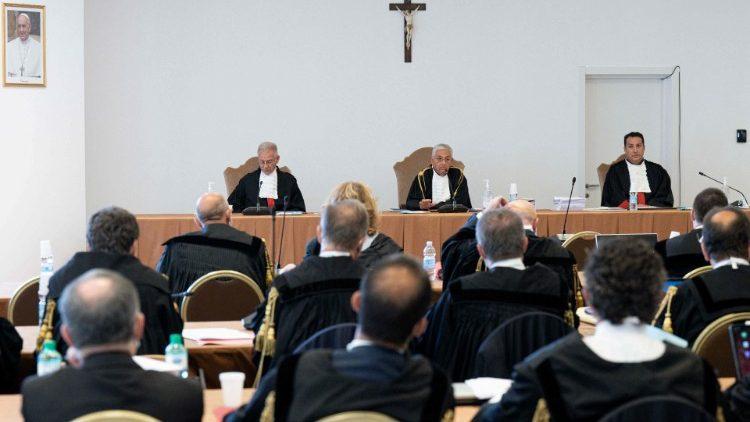 Audiencia en el tribunal vaticano