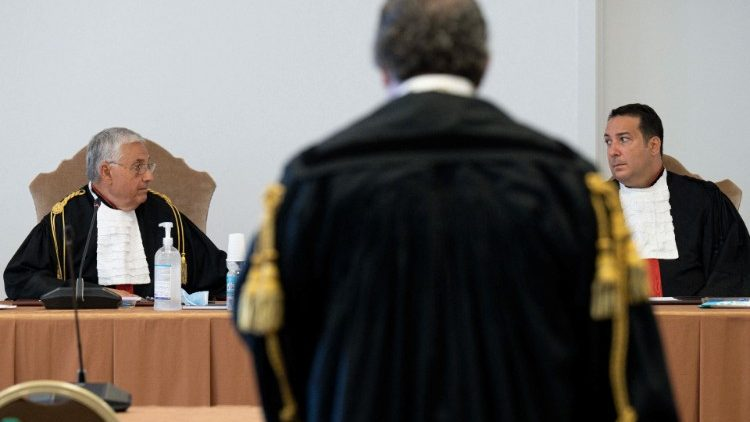 A lawyer presents his findings during the trial