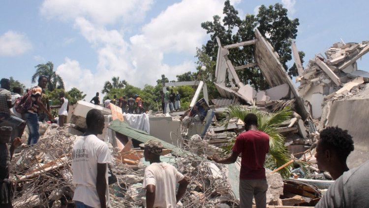 Terremoto en Haití. La Iglesia acompaña y apoya al pueblo en su dolor -  Vatican News